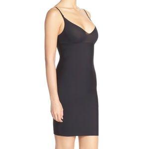 Commando Fitted Shaping Dress Slip Black Medium